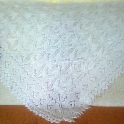 Ажурный пуховый платок ручной